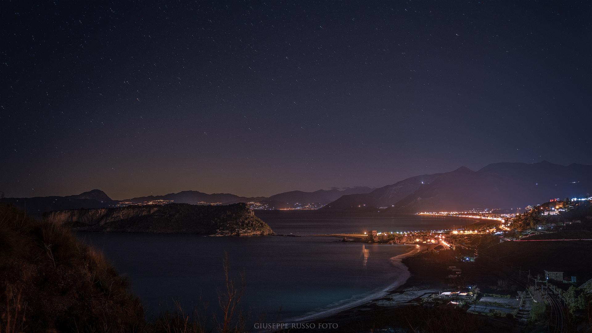 Isola Dino in notturna